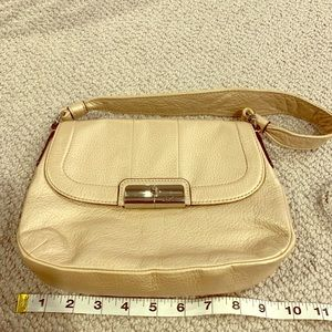 Soft golden tan leather Coach purse!